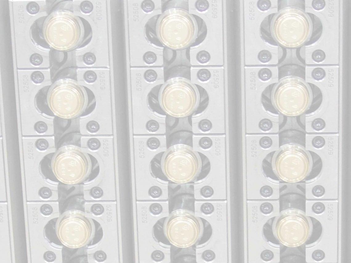 Moldes para Tapas con Bisagras Cerradas (HMC)